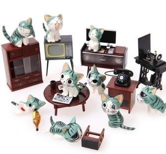 电视机和留声机的背面都有老式的电路板.